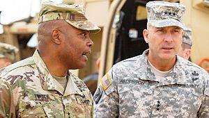 ABD'li komutanlar Twitty ve Bergeson Akçakale'de