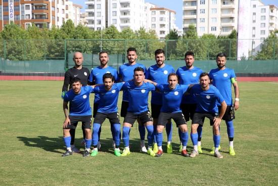 Karaköprü Belediyespor galibiyetle başladı