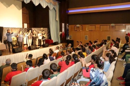 Karaköprü'de madde bağımlılığı tiyatro oyunu sahnelendi