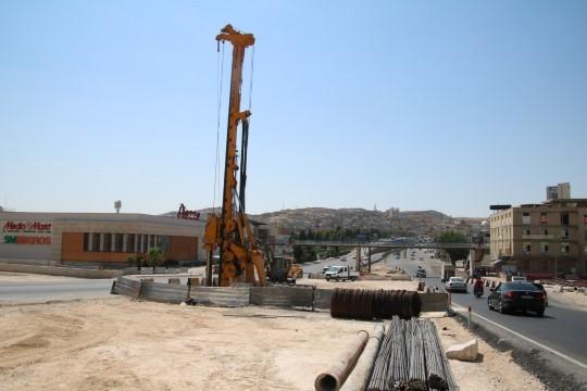 Karakoyun Köprülü Kavşağı'ndaki viyadüğün yapımına başladı