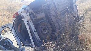 Otomobil yoldan çıktı: 1 ölü, 2 yaralı