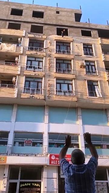 Şanlıurfa'da 6'ncı kattan atlayan genç kız ağır yaralandı
