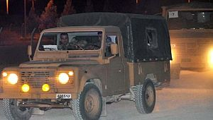 Sınırın sıfır noktasına askeri araç sevkiyatı