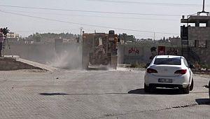 Türk ve ABD'li askeri yetkililer Suriye sınırında incelemede bulunuyor