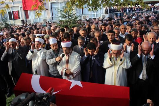 Ey hainler, Türk milleti var oldukça kaçacak delik bile bulamayacaksınız
