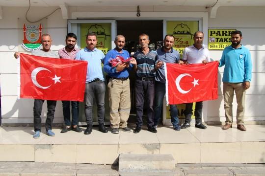 Haliliye'de Türk Bayrağı dağıtıldı