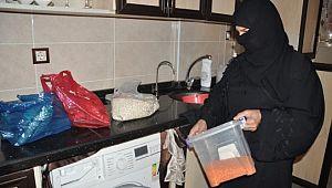Kocası Tel Abyad'da ölen 5 çocuk annesi vatanına dönmek için gün sayıyor