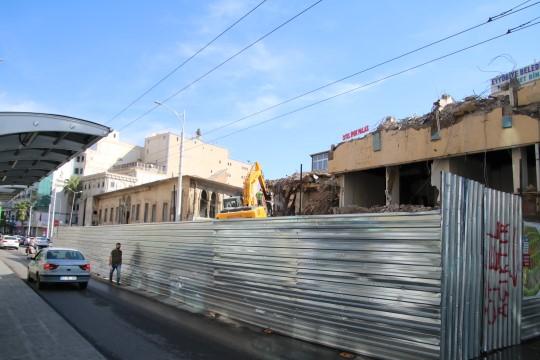 Köprübaşı'ndaki eski binanın yıkımında sona gelindi