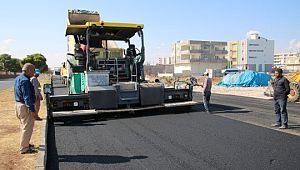 Viranşehir'de Yenihal caddesi asfaltlanıyor
