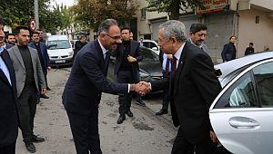 22. Dönem TBMM Başkanı Bülent Arınç, Kuş'u tebrik etti.