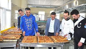 Barış Pınarı Harekatı'na katılan askerlere börek