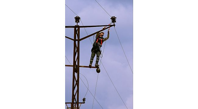Borçlu 1.453 çiftçinin elektriği kesildi