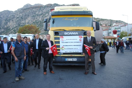 Komando Ocağı' Eğirdir'den Mehmetçik'e 1 tır dolusu elma desteği