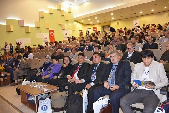 Küresel Göç Farklı Boyutlarıyla HRÜ'deEle Alınıyor