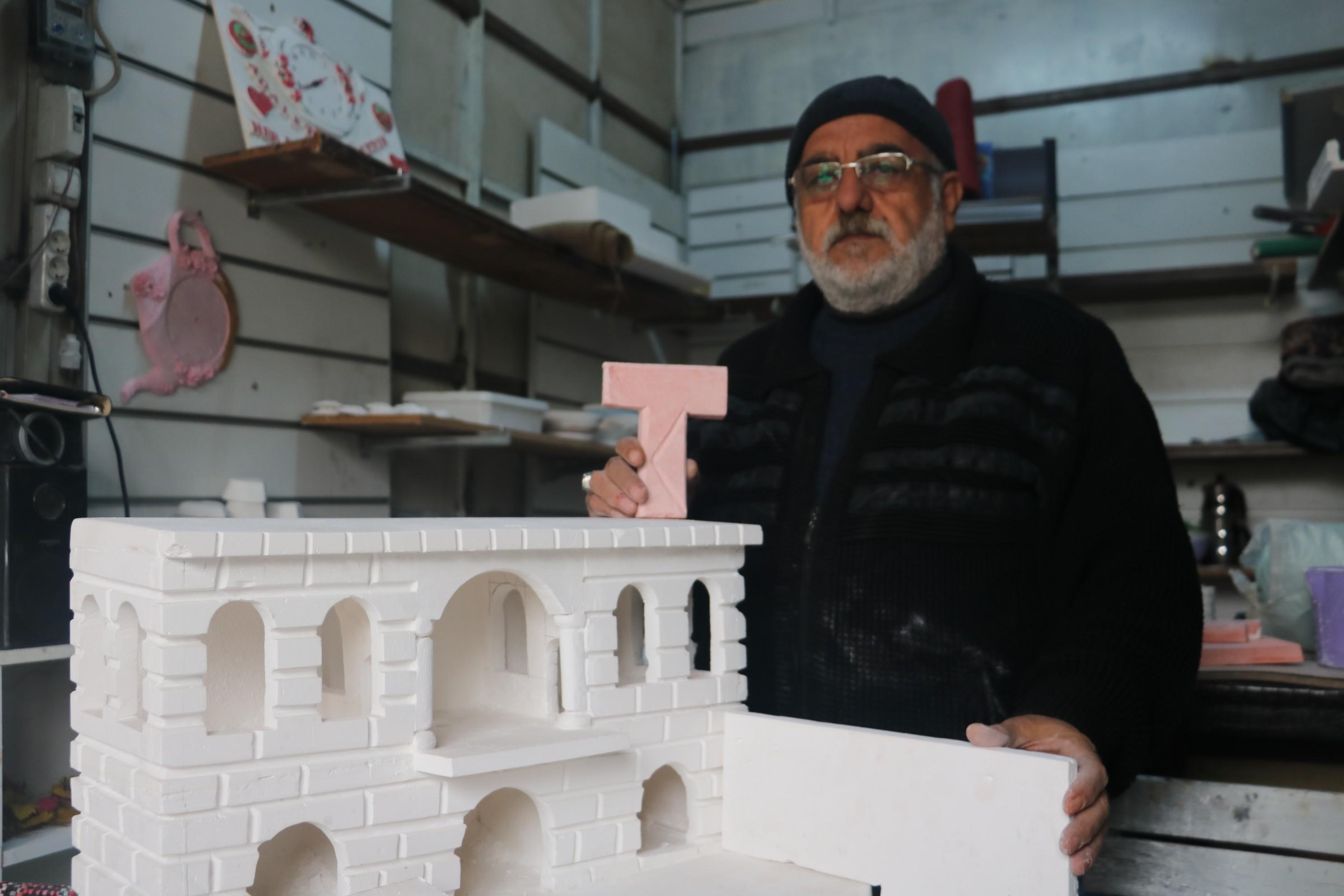 Hac farizasında gördüğü Bilali Habeşi Camisi'nin maketini yaptı