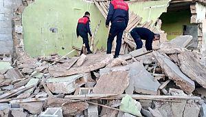 Şanlıurfa'da ev çöktü, bir çocuk yaralandı