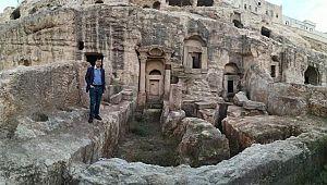 Urfa'da doğum kadar ölüm de ritüeldir.