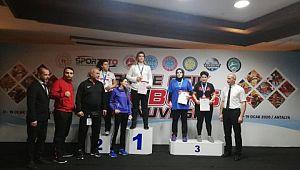 Haliliye belediyesi kıck boks takımından madalya yağmuru