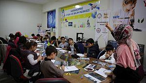 Karaköprü'de öğrenciler yarıyıl tatilini bilim ve teknolojiyle değerlendiriyor (Videolu Haber)