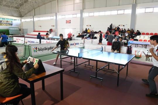 Masa tenisi turnuvasına yoğun ilgi (Videolu Haber)