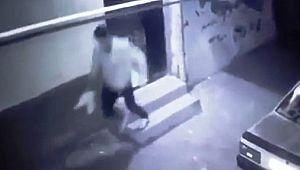 Şanlıurfa'da ayakkabı hırsızlığı güvenlik kamerasına yansıdı