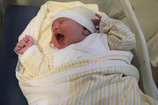 Şanlıurfa'da yeni yılın ilk bebeği Azra oldu