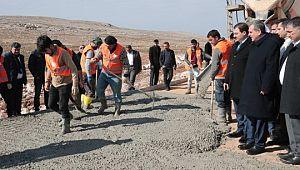 Büyükşehir'de beton yol mesaisi başladı (Videolu Haber)
