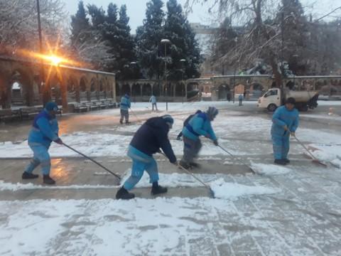 Eyyübiye belediyesi ekiplerinden kar nöbeti. (Videolu Haber)