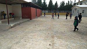 Okul bahçesi kilitli parke taşı ile döşendi