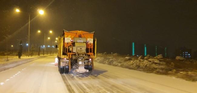 Şanlıurfa'da kar yağışı etkili oluyor