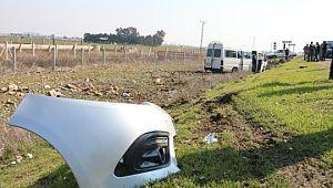 Şanlıurfa'da otomobil ile minibüs çarpıştı: 2 yaralı