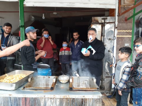 Barış Pınarında Esnafa Maske ve Eldiven Dağıtıldı