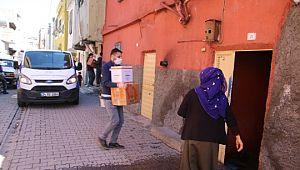 Büyükşehir 65 yaş üstü vatandaşların yanında (Videolu Haber)