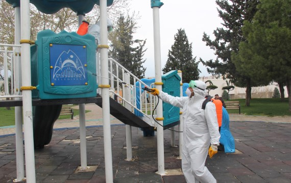 Eyyübiye belediyesi dezenfekte çalışmalarını sürdürüyor. (Videolu Haber)