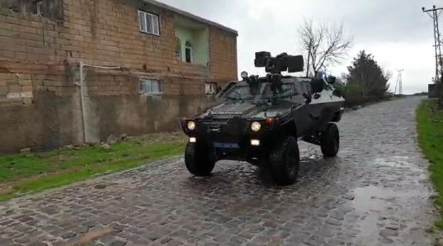 Viranşehir'de jandarma ve polis vatandaşları anonslarla ikaz ediyor