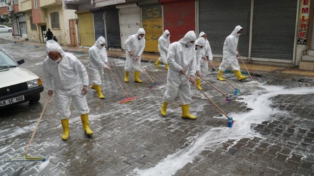 Bağlarbaşı adım adım yıkanarak dezenfekte edildi(Videolu Haber)
