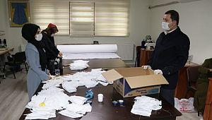 Karaköprü belediyesi sağlık çalışanları için maske üretiyor(Videolu Haber)