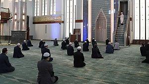 Cuma namazı kılınabilecek camiler açıklandı