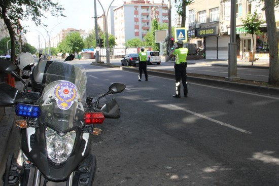 Diyarbakır Şanlıurfa Karayolu bayramı sessiz karşıladı