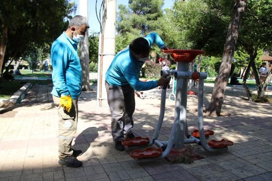 Haliliye'de parklar normalleşme sürecine hazır (Videolu Haber)