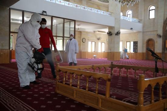 Karaköprü'de camiler ibadete hazırlanıyor (Videolu Haber)