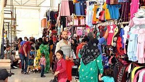 Kısıtlama öncesi vatandaşlar pazara akın etti