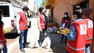 Kızılay'dan ihtiyaç sahiplerine ramazan kolisi