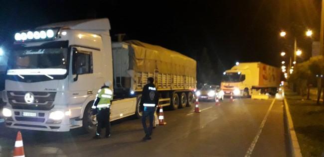 Seyahat kısıtlaması kaldırılan Şanlıurfa'da araç yoğunluğu yaşandı