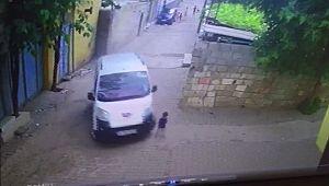 Urfa'da taksi 2 yaşındaki çocuğu ezdi