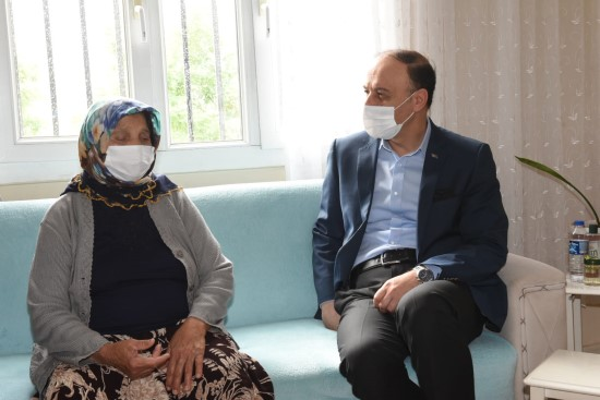 Vali Erin, Şehit ailelerini ve görev başındaki polisleri ziyaret etti (Video)