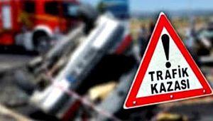 Çarpışan otomobillerdeki 4 kişi yaralandı
