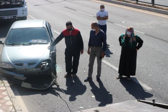 Diyarbakır'da zincirleme trafik kazası: 2'si çocuk 7 yaralı (Videolu Haber)