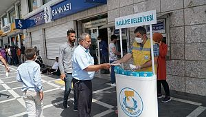 Haliliye'de halk sağlığı için maske dağıtımı sürüyor (Videolu Haber)