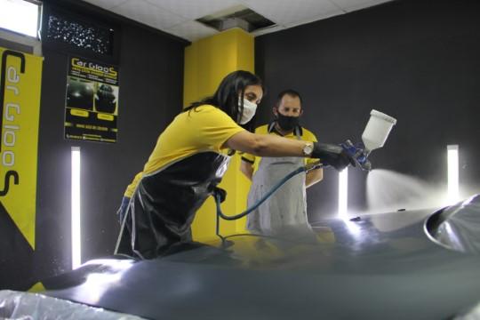 'Kadınsın araç boyama işinden anlamazsın' dediler, müdavimi oldular